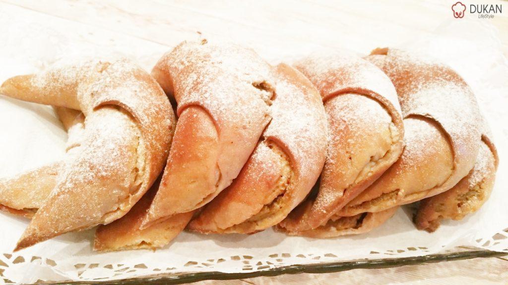 CROISSANTE cu DOVLEAC (Fara faina alba/ Sugar free/ Low carb/ Low fat/ Gluten Free)