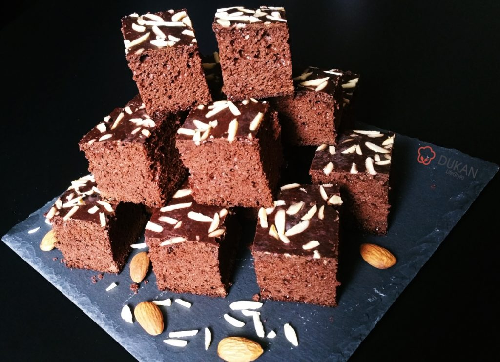 BROWNIES proteice (Fara faina alba/ Sugar free/ Low carb/ Low fat/ Gluten free)