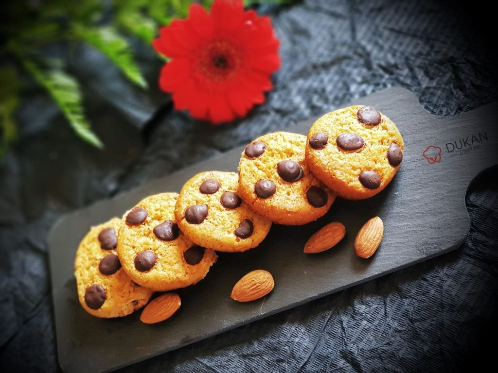CHOCOLATE chip COOKIES cu UNT de MIGDALE  (Fara faina alba/ Sugar free/ Low carb/ Low fat)