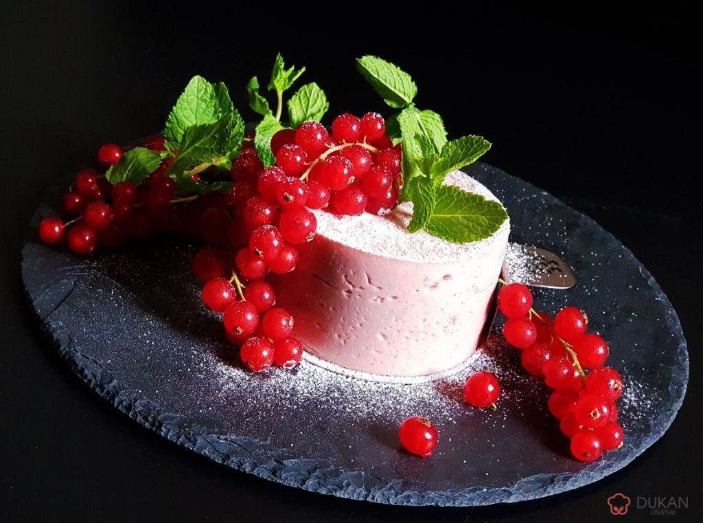 BUDINCA cu GRIS si COACAZE rosii (Sugar free/ Low carb/ Low fat/ Gluten free)
