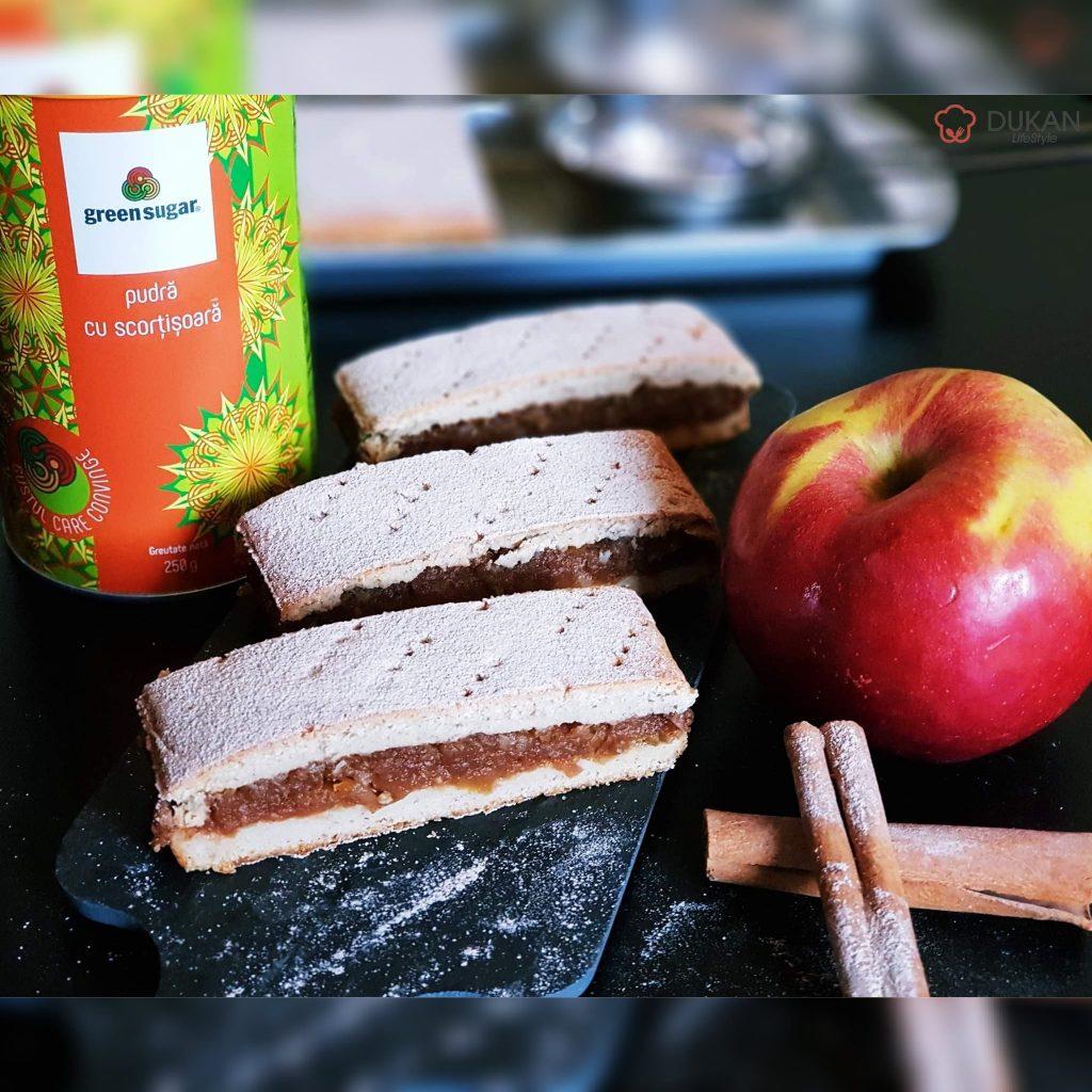 PLACINTA cu MERE low carb (Fara faina alba/ Sugar free/ Low carb/ Low fat/ Gluten free)